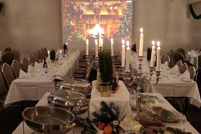Julefrokost på Hotel Gilleleje Strand er altid festlig, hyggelig og i stemningsfulde lokaler